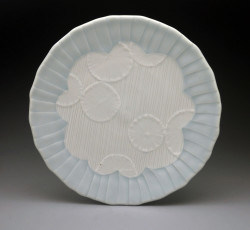 2. dots and stripes plate1